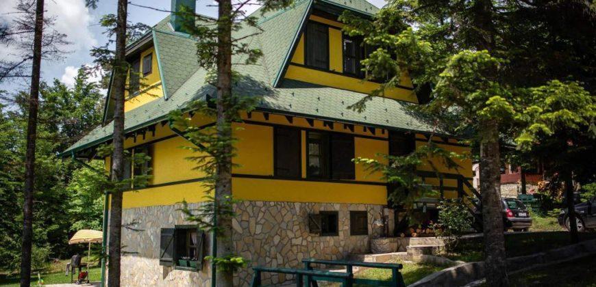 Vila Ružica i Anica Divčibare